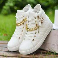 Sepatu boots wanita musim dingin sepatu putih rantai emas