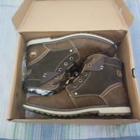 Sepatu boots sepatu prodak bata merek weinbrenner size 42 new minat l
