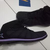 Sepatu wanita hitam merk Power Bata no. 38 kets running shoes sneaker