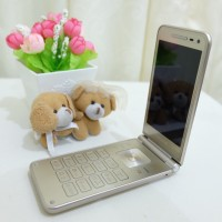 HP FLIP Samsung Galaxy Folder 2 / HP Flip Android ( Gold / used)