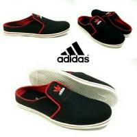 Termurah Berkualitas Sepatu Slop Adidas Hitam Abu/Sandal Slop Pria
