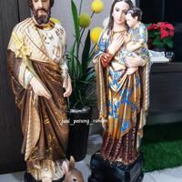 Patung Keluarga Kudus Batik ( 1 pasang )