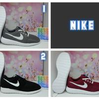 Jual Sepatu Nike Roshe Run - Sneakers - Sepatu Cowok Cewek - Ready Terus Murah