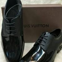Harga Sepatu Pria Louis Vuitton Asli Murah - Daftar 88 Produk Harga ... e7e46cdf77