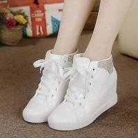 Jual Sepatu Wanita Branded Berkualitas BOOTS SNEAKERS WHITE YOONA