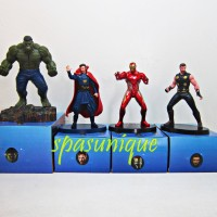 Action figure Avenger isi 4