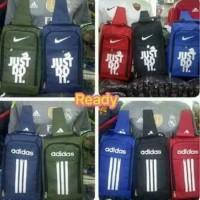 Best Tas Sepatu Bola / Futsal Adidas dan Nike (slempang)