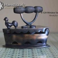Miniatur Seterika Arang Ayam Jago Kuno S Antik - Setrika Kuningan