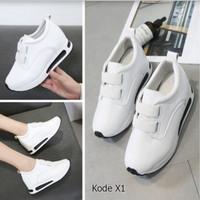 Sepatu Wanita Casual Slip On Aneira SDS253 Putih