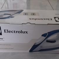 New Item! SETRIKA LISTRIK ELECTROLUX DENGAN SEMPROT EDI2004 Baru!