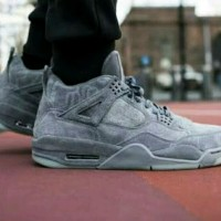 771758c1b8b6 SEPATU SNEAKERS NIKE AIR JORDAN 4 RETRO KAWS COOL GREY