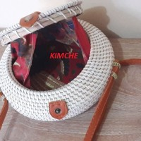 Tas Raisa Rotan ate diameter 20cm Bulat Putih Polos insert Batik Murah