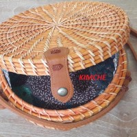 Tas Raisa Rotan ate diameter 20cm Rotan Natural coklat insert Batik
