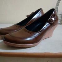 Sepatu kulit wanita asli magetan