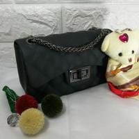 Tas jelly bag matte size 22 rantai hitam