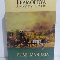 Novel sastra BUMI MANUSIA karya PRAMOEDYA ANANTA TOER.