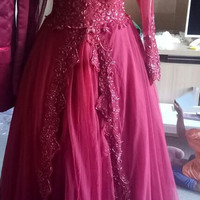 Gaun kebaya pengantin muslimah
