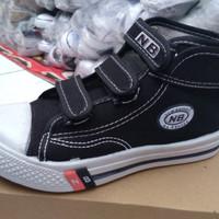 Sepatu sekolah anak NB perekat obral no.28 - 35 model boot