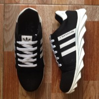 NEW Sepatu sport Adidas joging Spring Blade black white DMC13 edition