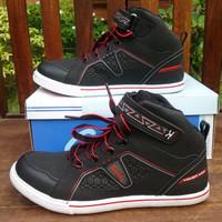 Sepatu Sekolah Anak dan Sepatu Olahraga Carvil Elbrus