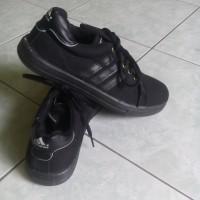 Sepatu Sekolah Adidas Bertali Full Black