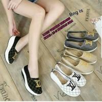Harga sepatu wanita slip on lv model sporty sepatu cewek kiki  8ae5536f82