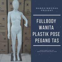 Manekin fullbody wanita plastik pose pegang tas