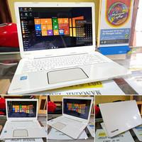 Laptop seken Laptop TOSHIBA L40 SUPER WHITE Slim