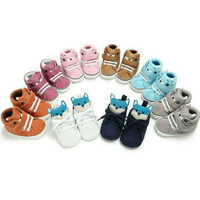 Sepatu Prewalker Shoes Anak Bayi Laki-Laki Boneka Telinga