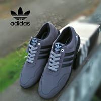 ffc7c3f472600 Jual Sepatu Sneakers   Kets Pria - Model Baru   Harga Murah