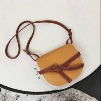 Harga tas slempang fashion 2054 | antitipu.com