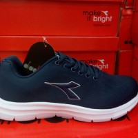 Jual sepatu Diadora Original Running Fitnes Este Navy Murah