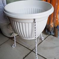Rak Besi Standing Pot Bunga untuk Pot 32-35cm