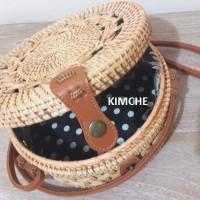 Tas Raisa Rotan Bunga diameter 20cm Rotan Natural coklat insert Batik