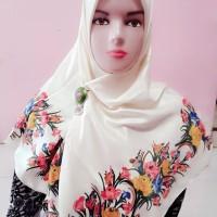 Kerudung Hijab Jilbab Satin Velvet Segiempat Motif Warna Krem