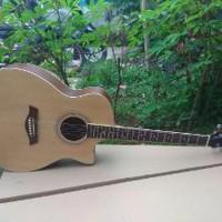 Jual Gitar Taylor Akustik Natural Sipruce Murah