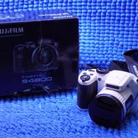Kamera prosumer Fujifilm s4800 semi DSLR digital camera