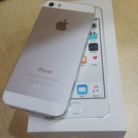 Asli apple iphone 5S silver 16GB ex garansi Ibox Erafone
