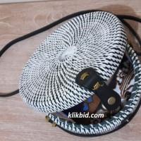 Tas Raisa Rotan ate diameter 20cm Hitam Putih polos insert Batik Murah