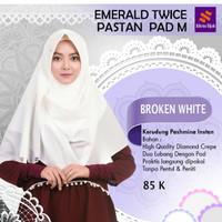 Jilbab Nibras Emerald Twice Warna Putih Pashmina Instan 2 Lubang Pad M