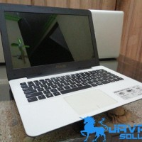 Laptop Asus X455LA Core i3 White Bekas