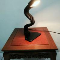 Lampu Meja Ular Cobra Antik