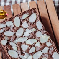 Brownies Almond Uk 22x10cm