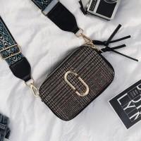 Harga marc jacob slingshot snapshot bag linen | Pembandingharga.com