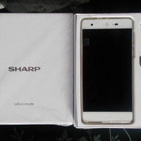 HP ANDROID SHARP Z2 4GB 32 GB GOLD 100% ORI BERGARANSI