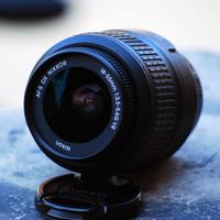 Lensa Nikon DX VR AFs Nikkor 18-55 f:3,5-5,6 G