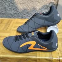 Sepatu Futsal Specs Touch