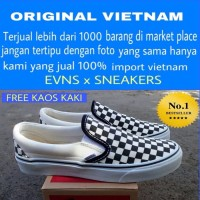 SEPATU CASUAL VANS SLIP ON CHECKERBOPARD OFF WHITE NAVY STOK TERBATAS 78f17870de