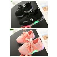 Sepatu anak lampu led nyala adidas yezzy hitam dan pink size 26-30