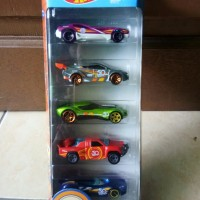 HOT WHEELS GIFT PACK TRACKS STAR